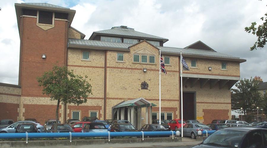 Angleterre : six heures d'émeutes dans une prison de Bedford (PHOTOS, VIDEOS)