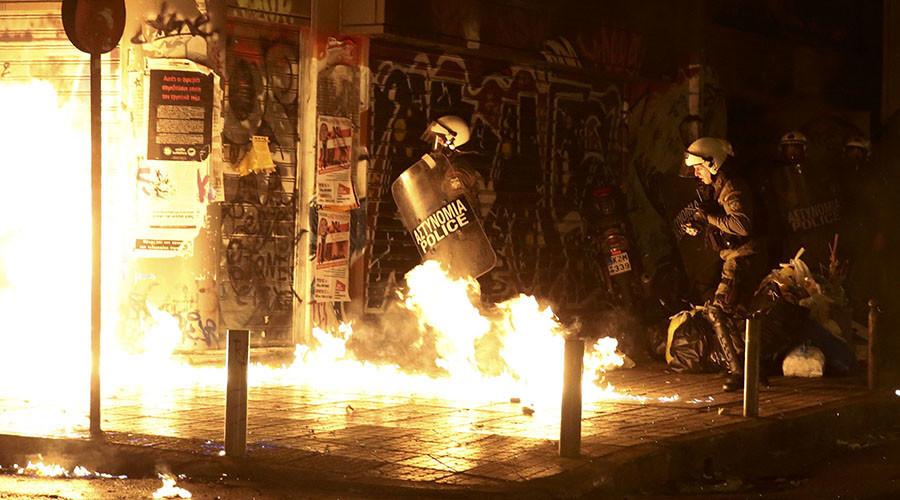 Gaz lacrymogène, cocktails Molotov... La visite de Barack Obama provoque des affrontements à Athènes