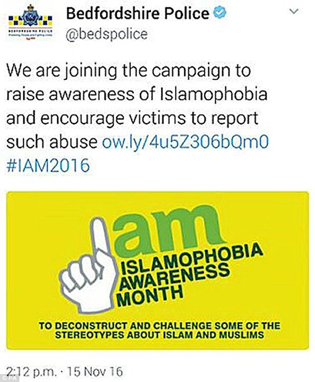 La police anglaise retire ses tweets contre l'islamophobie à cause d'un signe rappelant Daesh