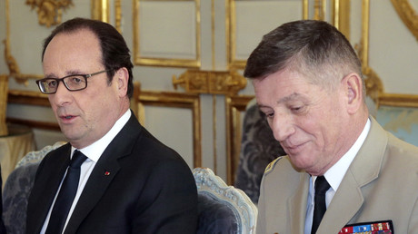 François Hollande et le chef d'Etat major Benoit Puga à l'Elysée