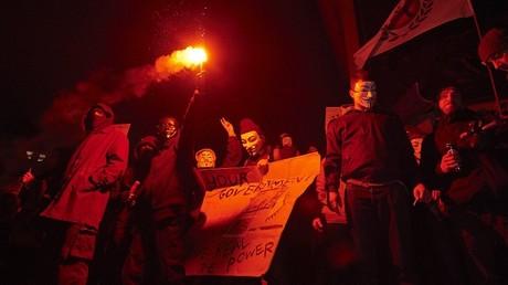 Les Anonymous défilent avec des «millions de masques» partout dans le monde (IMAGES)