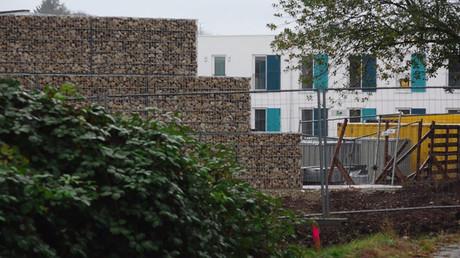 En Allemagne, un mur plus élevé que celui de Berlin séparera les migrants des habitants
