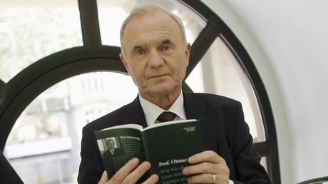 Le professeur Otmar Issing en 2012 lors de la présentation d'un de ses ouvrages