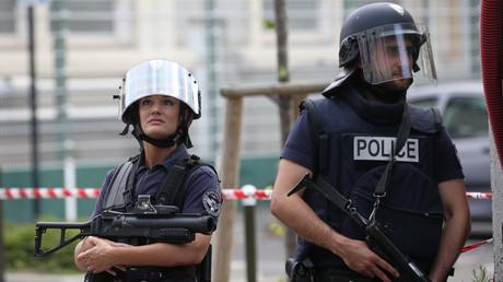 L'enquête sur les attentats du 13 Novembre mobilise toujours la justice française et un an après les attaques, des questions demeurent