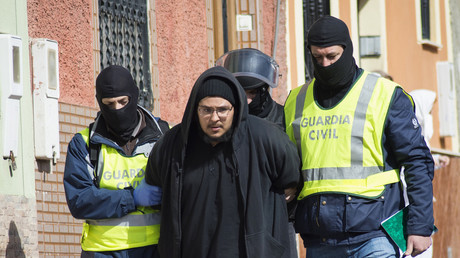 Arrestation d'un individu suspecté d'être un recruteur de Daesh en février 2015 à Melilla, l'autre enclave espagnole au Maroc,