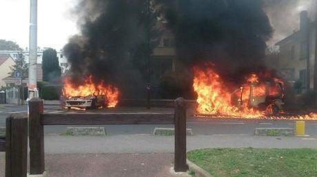 Trois personnes interpellées suite à l'attaque de policiers au cocktail Molotov à Viry-Châtillon