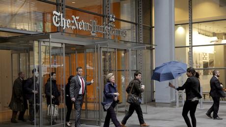 Hillary Clinton dans les bureaux du New York Times.