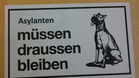 Un commerçant allemand condamné par la justice pour avoir comparé les réfugiés à des chiens