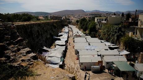 Des habitants attaquent un camp de réfugiés sur l'île grecque de Chios