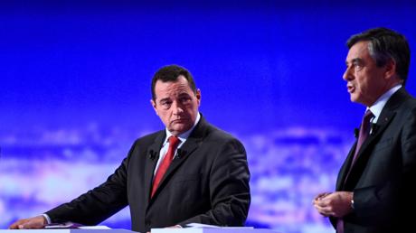 Jean-Frédéric Poisson et François Fillon lors du premier débat de la primaire de la droite et du centre.