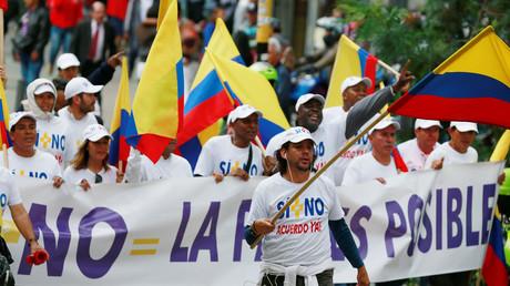Une marche pour la paix avec les Farc à Bogota, en Colombie