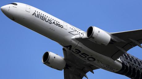 Un Airbus A350 XWB lors d'un show aérien
