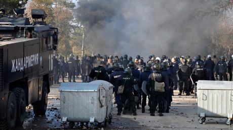 2 000 migrants affrontent la police dans le plus grand centre pour réfugiés de Bulgarie