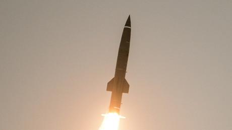 Tir de missile lors d'un exercice dans la région de Leningrad en Russie.
