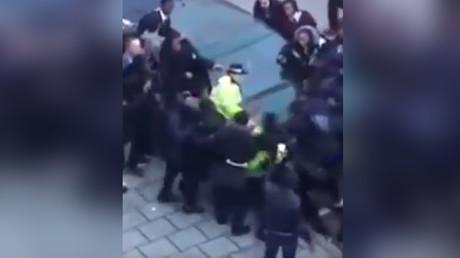 Un nouvel incident a eu lieu entre la police londonienne et des adolescents