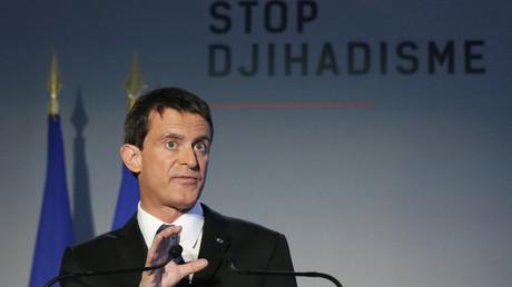 Manuel Valls donne un discours dans le cadre de la campagne