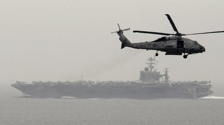 Un navire iranien menace un hélicoptère américain près de ses côtes, le Pentagone s'insurge