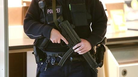 Policier allemand en service