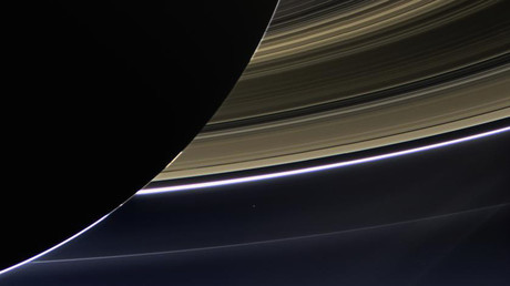 La sonde spatiale Cassini va faire son premier plongeon dans les anneaux de Saturne