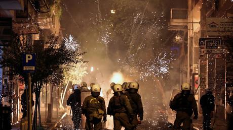 Cocktails Molotov, gaz lacrymogène : les manifestations dégénèrent à Athènes (VIDEOS)