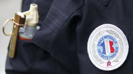 Un indic' porte plainte contre les douanes sur fond de rivalité entre services de police