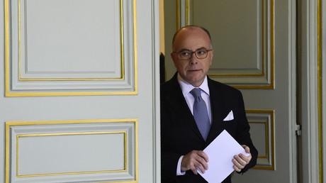 Terrorisme, islamisme, grogne policière : le FN tombe à bras raccourcis sur Bernard Cazeneuve