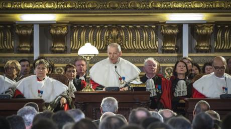 Décret de Valls sur la Cour de cassation : une «insouciance méprisable ou un cynisme absolu»