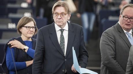 Le négociateur représentant le Parlement européen sur la question du Brexit veut permettre aux Britanniques de rester européens