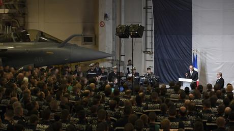 Discours de François Hollande devant les militaires