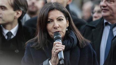 Primaire de la gauche : la maire de Paris Anne Hidalgo soutient Vincent Peillon