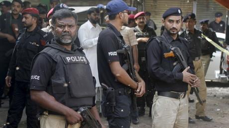 Pakistan : une fillette tuée par une bombe devant une école
