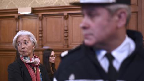 Christine Lagarde était accusée d'avoir laissé passer un arbitrage très favorable à Bernard Tapie dans le conflit l'opposant au Crédit lyonnais