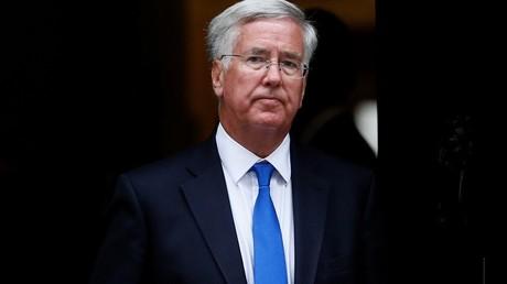 Michael Fallon confirme l'utilisation de bombes britanniques par l'Arabie saoudite au Yémen