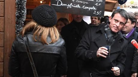 Manuel Valls a presqu'été enfariné à Strasbourg