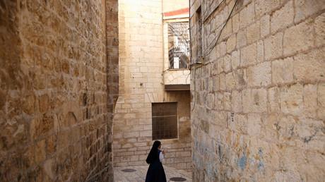 Le gouvernement israélien, après avoir condamné la résolution de l'ONU, multiplie les actions coup de poing.
