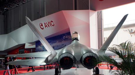 Le FC-31 chinois est le premier concurrent du F-35 américain.