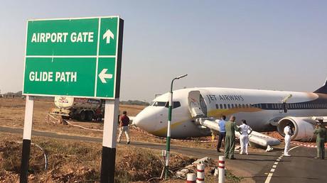 Inde : un avion sort de piste à Goa et une collision est évitée entre deux appareils à Delhi (VIDEO)