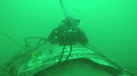 Images sous-marines des débris du Tu-154 qui s'est écrasé en mer Noire (VIDEO)