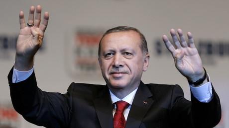 Erdogan demande aux Etats-Unis de soutenir leurs alliés de l'OTAN, pas les terroristes