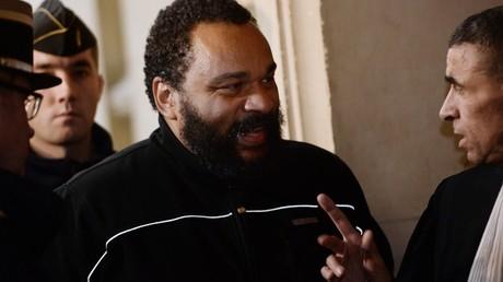 L'humoriste Dieudonné annonce sa candidature à la présidentielle… camerounaise