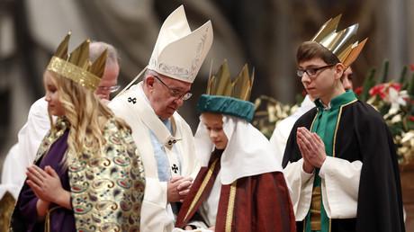 Le pape François demande aux évêques d'avoir le courage de protéger les enfants