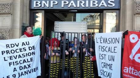 Une quarantaine de militants ont investi l'agence BNP Paribas à Opéra