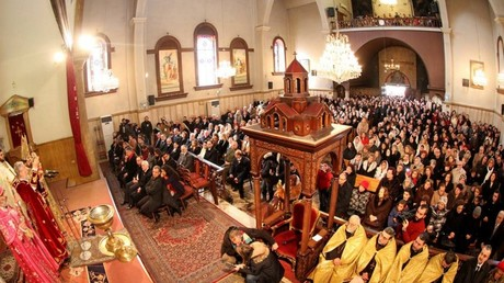 Thierry Mariani, Nicolas Dhuicq et Jean Lassalle fêtent le noël orthodoxe avec les chrétiens d'Alep