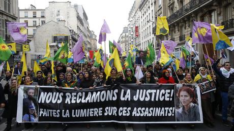 Manifestation «Vérité et justice» pour le meurtre de militantes kurdes à Paris en 2013