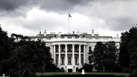 L'orage se gronde autour de la Maison Blanche