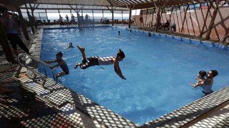 La Cour européenne des droits de l'homme refuse d'exempter les élèves musulmanes de piscine