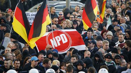 Les partisans du NPD s'étaient rassemblés devant la cour constitutionnelle allemande
