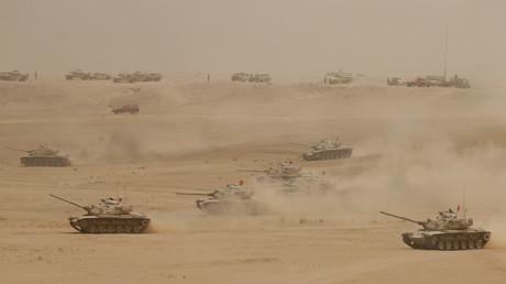 Des chars saoudiens