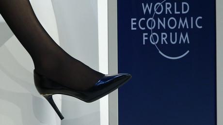 Chaussure  de Sheryl Sandberg, directrice des opérations de Facebook, lors d'une réunion du Forum économique mondial à Davos