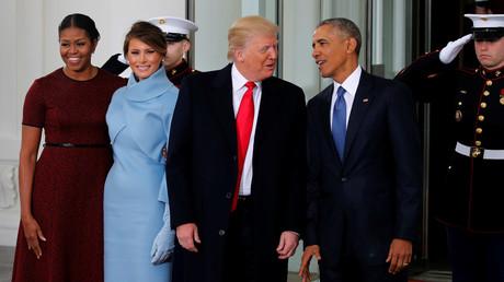 Barack et Michelle Obama accueillent Donald et Melania Trump pour un thé à la Maison Blanche quelques heures avant le discours d'investiture du président-élu.